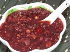 黑米小麦红豆粥