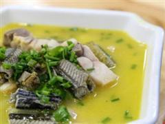 莼菜炖鳝鱼