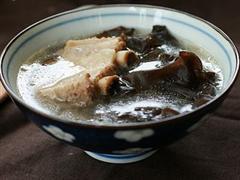 黑木耳排骨汤