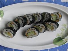 黄瓜肉松寿司