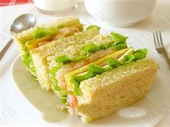 虾仁蔬菜三明治