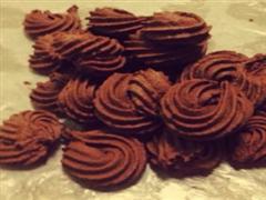 挤花毫无压力的巧克力曲奇