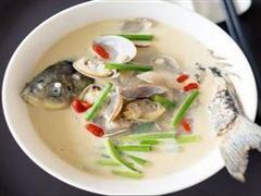 蛤蜊鲫鱼汤