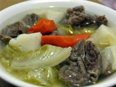 清炖蔬菜牛肉汤