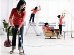用吸尘器打扫房间,中等强度